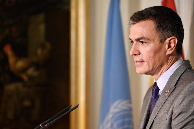 El presidente del Gobierno, Pedro Sánchez, en rueda de prensa desde Nueva York.