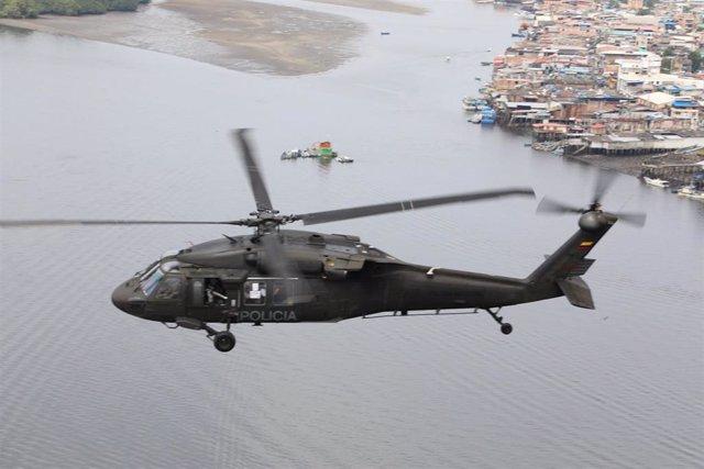 Archivo - Helicóptero de la Policía Antinarcóticos de Colombia