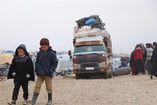 Archivo - Desplazados en el campamento de Al Hol