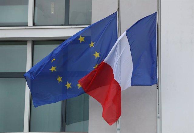 Banderas de Francia y la UE
