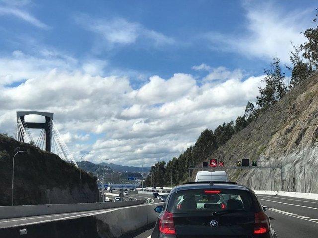 Archivo - Autopista AP-9, en la entrada al puente de Rande, procedente de Pontevedra.