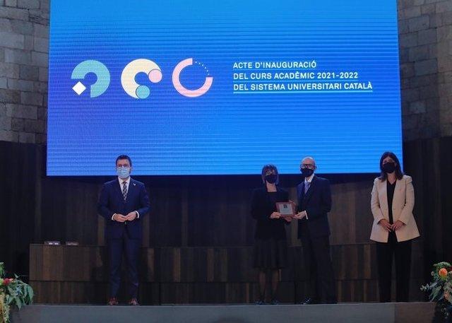 El president del Govern, Pere Aragonès, i la consellera de Recerca i Universitats, Gemma Geis, en la inauguració acadèmica del curs universitari