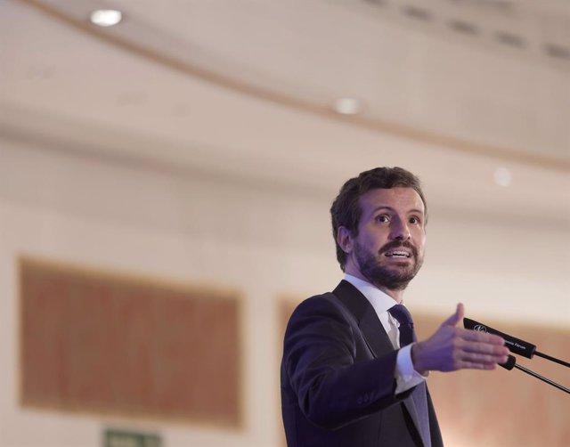 El president del Partit Popular, Pablo Casado, intervé durant un esmorzar informatiu del Fòrum Europa, organitzat per Nova Economia Fòrum, a l'Hotel Four Seasons, a 7 de setembre de 2021, a Madrid (Espanya).
