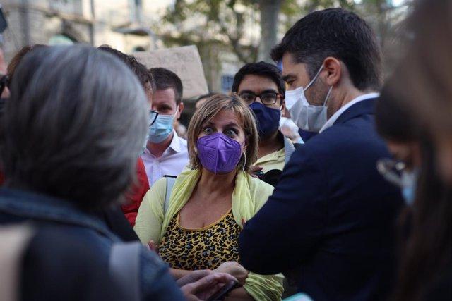 L'exconsellera de Salut de la Generalitat Alba Vergés en una concentració convocada contra la detenció de l'expresident Carles Puigdemont en l'L'Alguer (Sardenya), a 24 de setembre de 2021, a Barcelona, Catalunya, (Espanya). Convocada per l'Assemblea