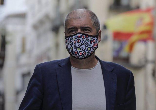 El secretari general de CCOO, Unai Sordo, enfront del Palau de la Generalitat Valenciana, a 24 de setembre de 2021, a València