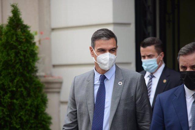 El president del Govern, Pedro Sánchez, a la seva sortida després d'oferir una roda de premsa als mitjans en la residència de l'Ambaixador Representant Permanent d'Espanya davant les Nacions Unides, a 22 de setembre de 2021, a Nova York (els Estats Units)