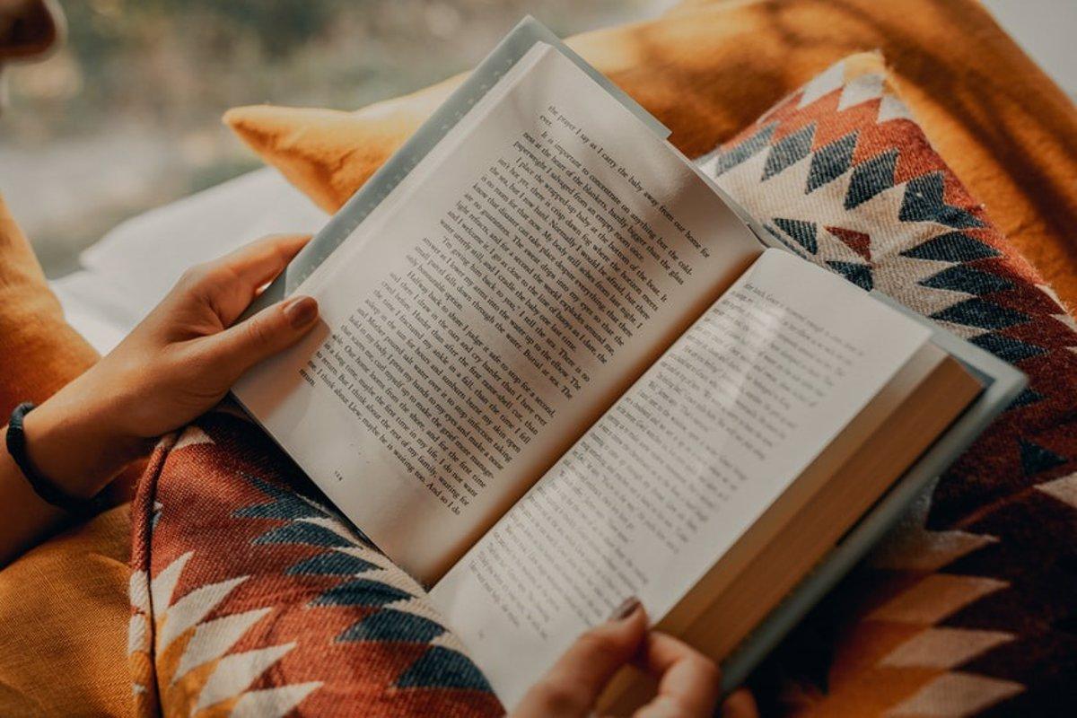 OpenAI enseña a su IA a resumir libros enteros tan bien como las personas