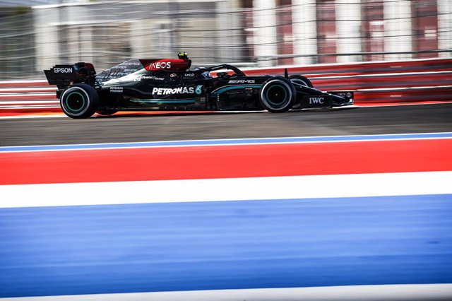 77 BOTTAS Valtteri (fin), Mercedes AMG F1 GP W12 E Performance, action during the Formula 1 VTB Russian Grand Prix 2021, 15th round of the 2021 FIA Formula One World Championship from September 24 to 26, 2021 on the Sochi Autodrom, in Sochi, Russia - Phot