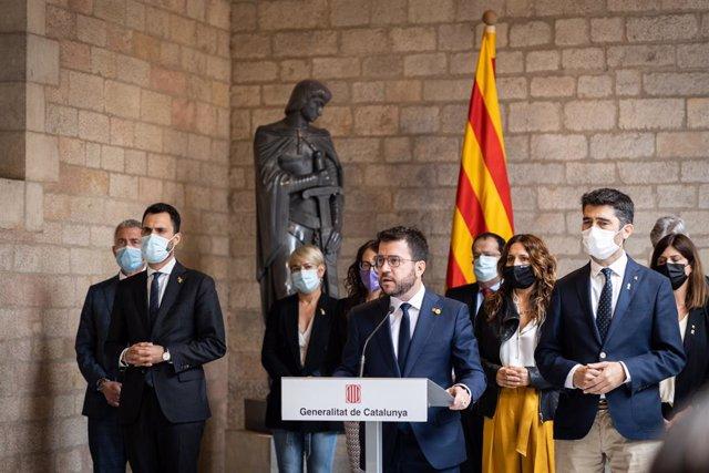 El president de la Generalitat de Catalunya, Pere Aragonès, ofereix una roda de premsa després de mantenir una reunió d'urgència amb tots els consellers del Govern, en el Palau de la Generalitat, a 24 de setembre de 2021, a Barcelona, Catalunya (Espanya).