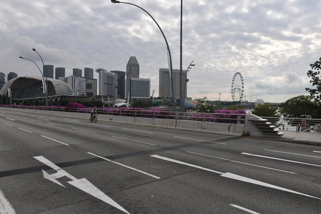 Archivo - 11 April 2020, Singapore: Streets of Singapore are seen empty amid a nationwide lockdown aiming to curb the spread of Coronavirus (Covid-19). Photo: Gilles Aygalenq/Le Pictorium Agency via ZUMA/dpa