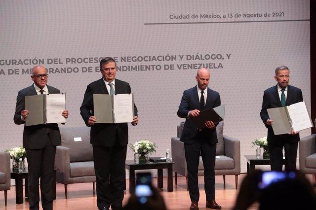 Inauguración del diálogo de Venezuela en Ciudad de México.