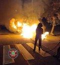 Se incendian de noche cuatro contenedores y un vehículo en Santander