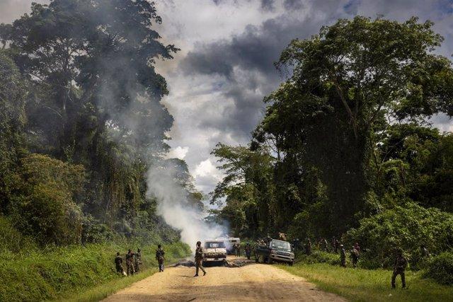 Archivo - Soldados de República Democrática del Congo (RDC) y la MINUSCA tras un ataque ejecutado po la milicia ADF en la provincia de Kivu Norte