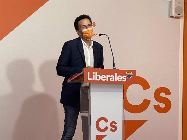 El portaveu nacional i sotssecretari general de Ciudadanos (Cs), Edmundo Bal, ofereix una roda de premsa aquest dissabte a València