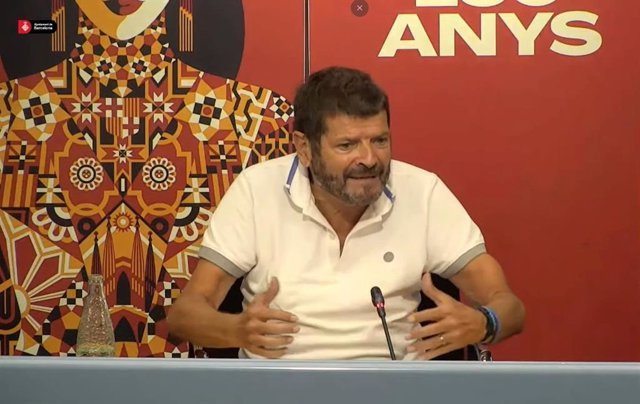 El tinent d'alcalde de Seguretat de Barcelona, Albert Batlle, en roda de premsa a l'Ajuntament de Barcelona