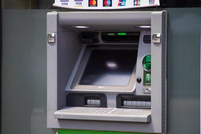Archivo - Cajero automático.