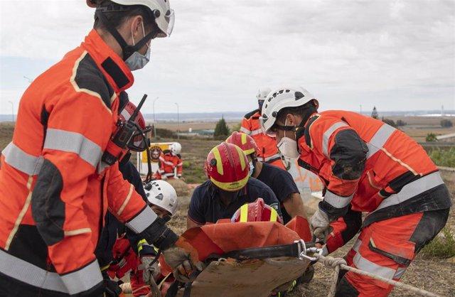 Alumnos del curso de gestión del riesgo sísmico del IESPA realizan el taller de rescate en estructuras colapsadas