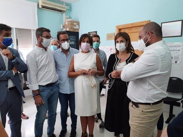 La viceconsejera de Salud y Familias, Catalina Monserrat García ha visitado el centro de salud de Bedmar y Garcíez (Jaén)