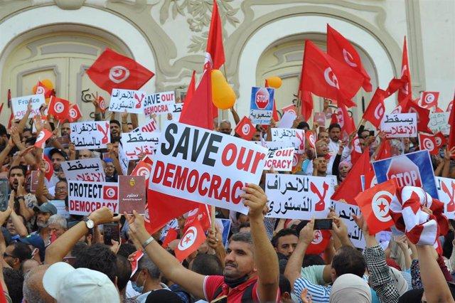 Manifestación contra el presidente tunecino, Kais Saied