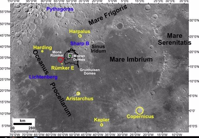 La ubicación del lugar de aterrizaje de Chang'e-5  y las regiones adyacentes de la Luna, así como los cráteres de impacto que se examinaron como posibles fuentes de fragmentos exóticos entre los materiales lunares recientemente devueltos