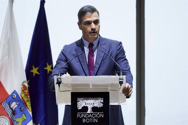 El presidente del Gobierno, Pedro Sánchez, interviene en la inauguración de la jornada 'Diálogos sobre el Futuro del Trabajo' en el Centro Botín, a 27 de septiembre de 2021, en Santander, Cantabria