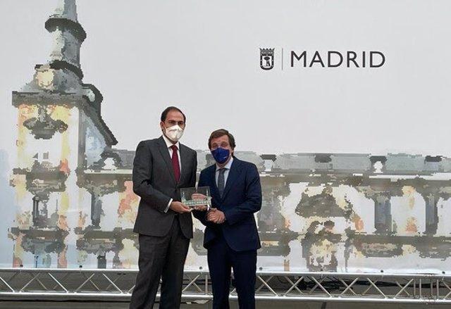 Iberia galardonada por el Ayuntamiento de Madrid por su trayectoria