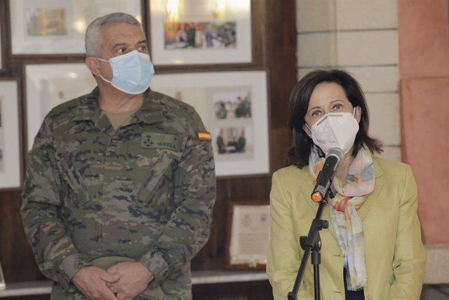 La ministra de Defensa, Margarita Robles, intervé durant la seua visita el comandament d'Operacions Especials en el barri de Rabasa, a 27 de setembre de 2021, a Alacant, Comunitat Valenciana (Espanya).