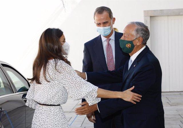 Los Reyes Felipe y Letizia junto con el presidente de Portugal, Marcelo Rebelo de Sousa