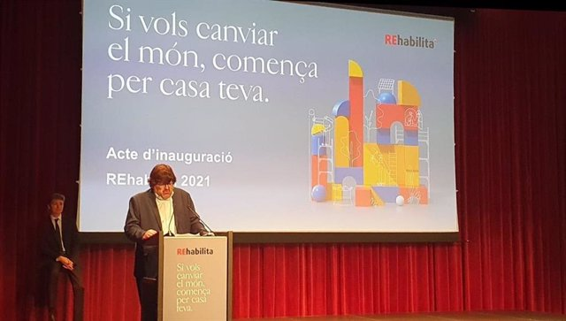 El diputat d'Infraestructures i Espais Naturals de la Diputació de Barcelona, Pere Pons, en la inauguració de 'Rehabilita, la Setmana de la Rehabilitació'