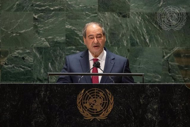 El ministro de Relaciones Exteriores de Siria, Faisal Mekdad