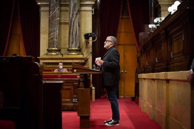 Archivo - Arxiu - El diputat de la CUP al Parlament, Carles Riera, intervé davant l'hemicicle de la cambra catalana