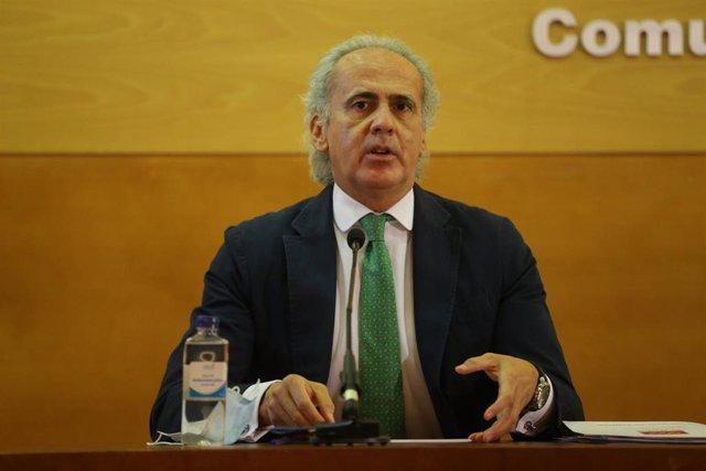 Archivo - El consejero de Sanidad de la Comunidad de Madrid, Enrique Ruiz Escudero