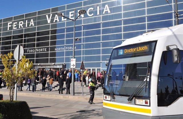 Archivo - Tramvia en Fira València en imatge d'arxiu