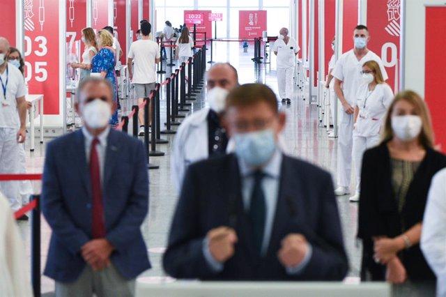 Acte de tancament dels vacunòdroms en el Museu de les Ciències