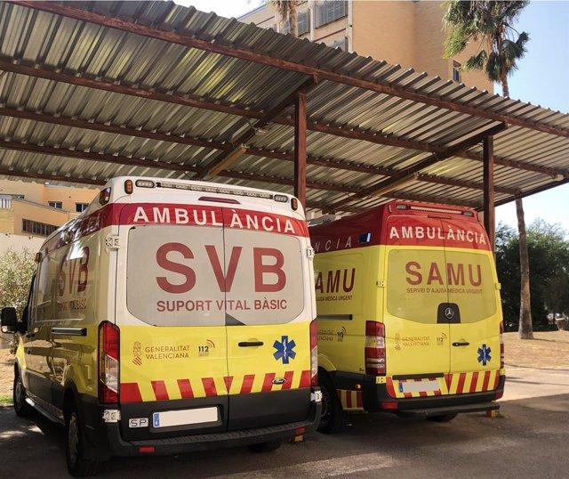 Archivo -  Un SVB i una SAMU en imatge d'arxiu
