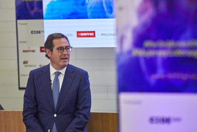 Arxiu - El president de la CEOE, Antonio Garamendi
