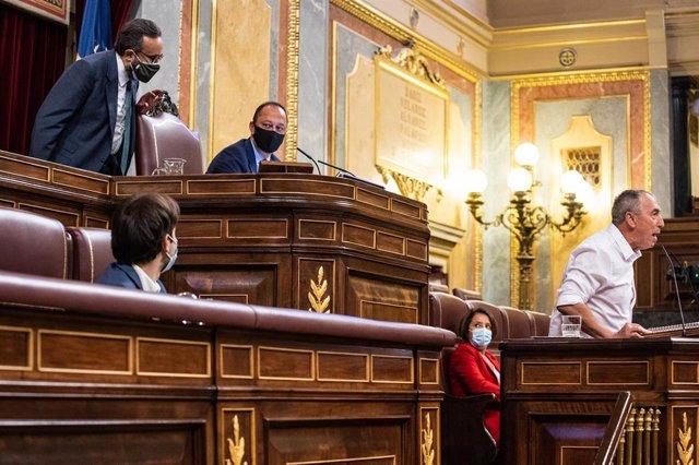 El diputado de  VOX Jose María Sánchez García pidiendo al vicepresidente segundo del Congreso,  Alfonso Rodríguez Gómez de Celis, que obligue a Joan Baldoví a retirar unas palabras contra él