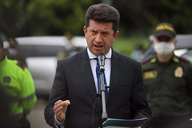 31 August 2021, Colombia, Bogota: Colombian Defense Minister Diego Molano speaks during the funeral of patrolman Luis Edilberto Ocampo Ramos, who was killed in the El Triangulo sector of the Suba district when he and his colleagues from the CAI Rincón wer