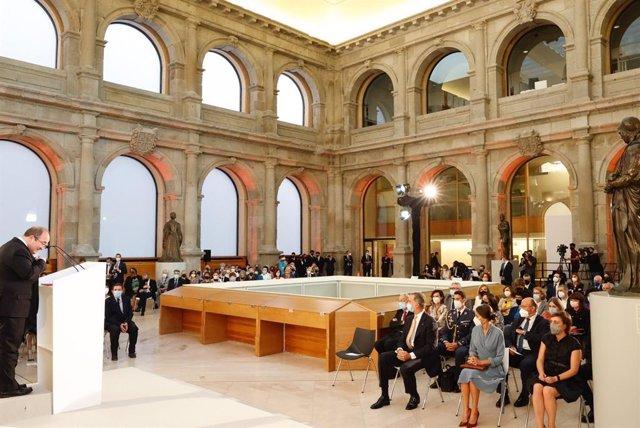 Acto de entrega de los Premios Nacionales de Cultura 2018-2019 a cargo de Sus Majestades los Reyes acompañados por el ministro de Cultura, Miquel Iceta