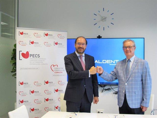 Javier Martín, CEO de Vitaldent, y el doctor José Luis Palma, vicepresidente de FEC.