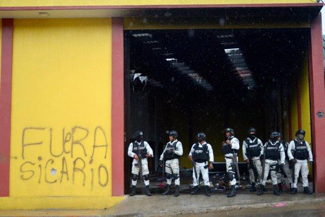 Archivo - Un grupo de agentes de la Policía mexicana.