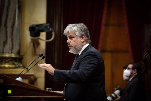 El president de Junts al Parlament, Albert Batet, durant el debat de política general