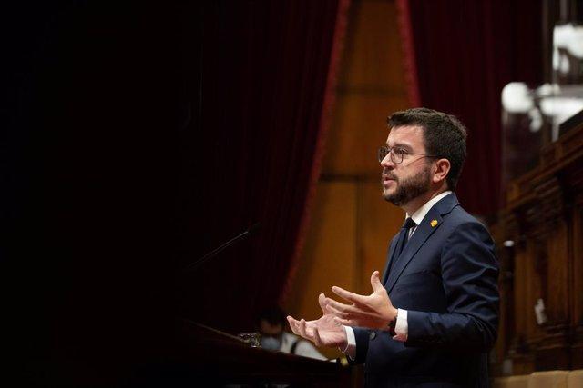 El president de la Generalitat, Pere Aragonès, durant la rèplica als grups parlamentaris en el debat de política general