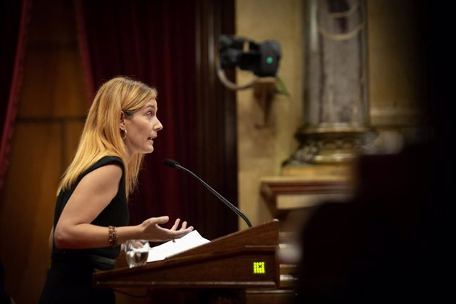 La líder dels comuns al Parlament, Jéssica Albiach, durant el debat de política general
