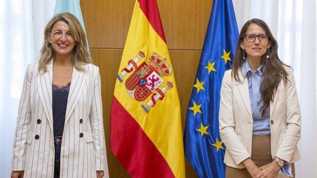 La vicepresidenta segunda y ministra de Trabajo, Yolanda Díaz, se reúne con la ministra de Mujeres, Géneros y Diversidad de Argentina, Elizabeth Gómez Alcorta.