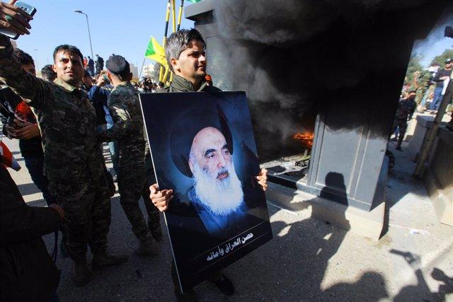 Archivo - Imagen del principal clérigo chií de Irak, Alí al Sistani