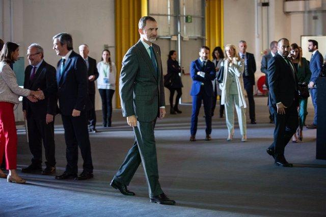 Archivo - Arxivo - El Rei Felipe VI en la inauguració de l'última edició del saló Automobile Barcelona, en 2019