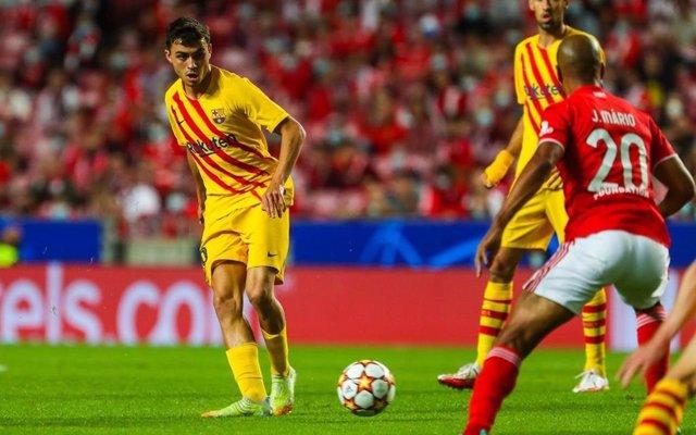 El jugador del FC Barcelona Pedri en el partido de Liga de Campeones en Lisboa ante el Benfica, con derrota por 3-0 para los blaugranas