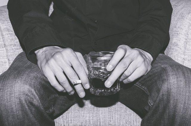 Archivo - Beber y fumar