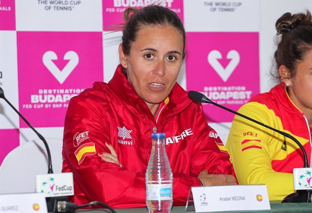 Archivo - CARTAGENA, SPAIN - FEBRUARY 8: Anabel Medina of Spain in press conference during Fed Cup tennis played between Spain and Japan at La Manga Club on February 8, 2020 in Cartagena, Murcia, Spain.
